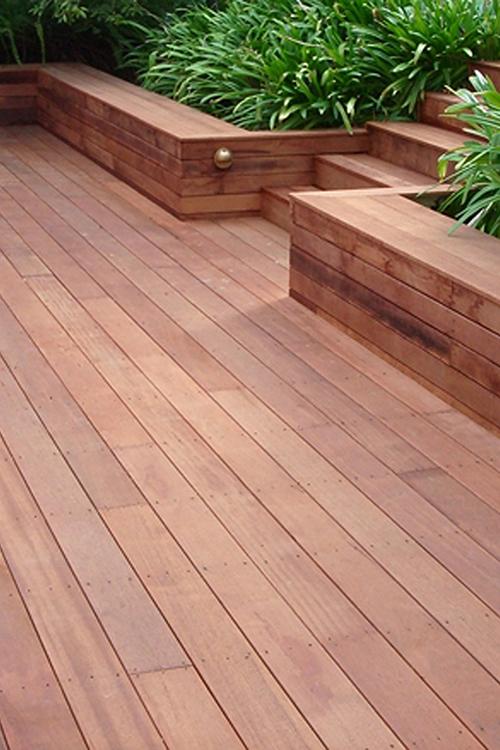 Montam deck si fatade din lemn